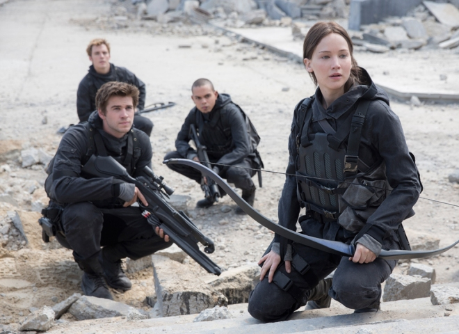Katniss ready to play one more time a new version of Hunger Games.