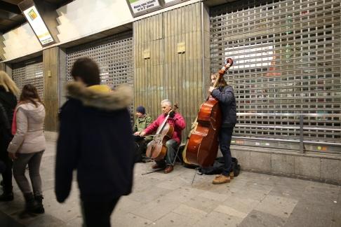 Los músicos no podían faltar en vísperas de Navidad.