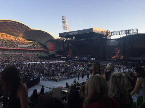 In Melbourne first 1989 concert, the audience enjoyed the voice from guest singer Vance Joy was a great surprise.
